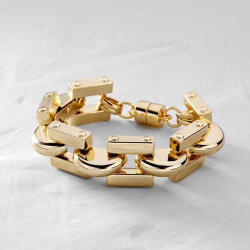 American Dream. A strong, gold-plated bracelet