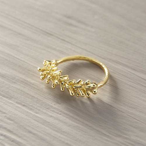 Forrest spring. Cypress little ring in gold