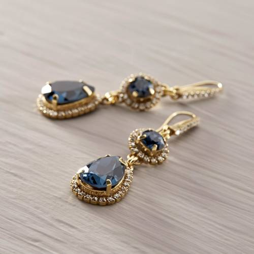 Glam up!. Drop earrings with blue crystals