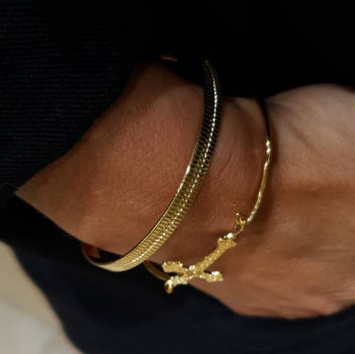 Jane. Golden cuff bracelet