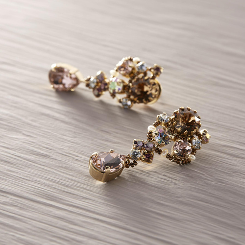 Jeanine. Drop earrings with peach colored crystals