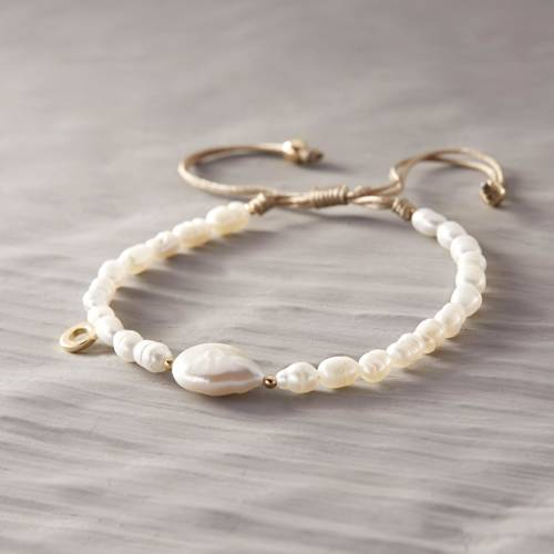 Lazy Lagoon. Bracelet with little pearls
