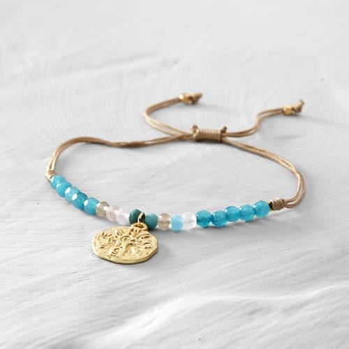 Mar Bella. Turquoise bracelet with a coin