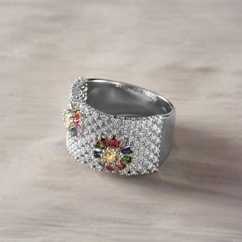 Meadow dew. Silver colored ring with crystals