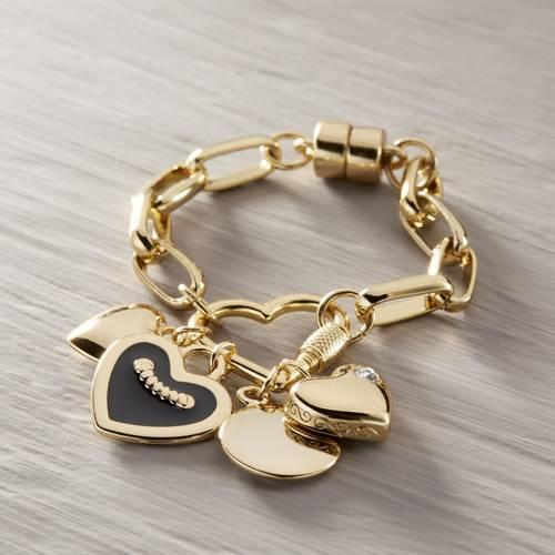 So much love. Bracelet with heart-shaped pendants