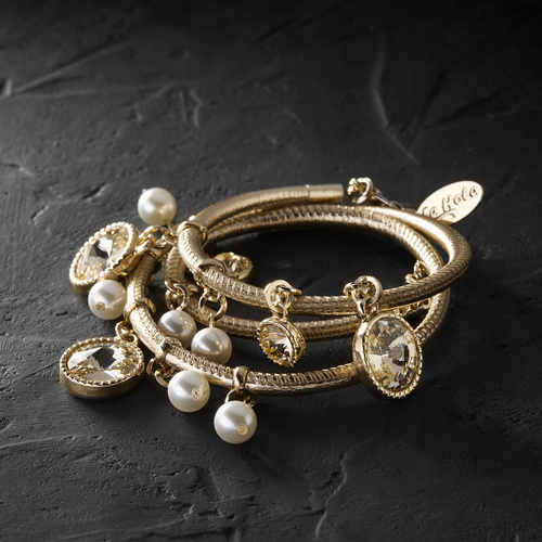 Splendor. Leather bracelet with crystals and pearls
