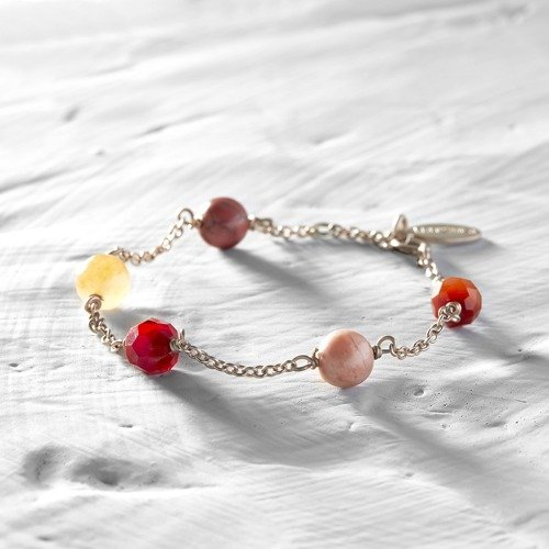 Sunset colors. Rose gold bracelet with beads